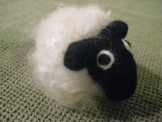 Knit-Along: Curly Sheep Needlefeltling from Fancy Tiger - DONE! 5