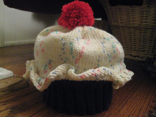 Knit Along:  Cupcake Cutie Hat from Needles 'n Pins - Day Who Knows What? 1
