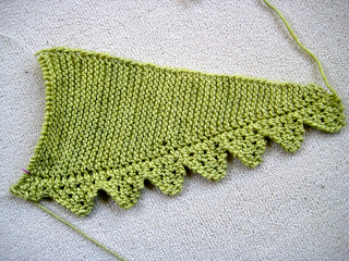 Knit Along:  Pimpelliese Shawlette from Grinny Possum - Day 2 5