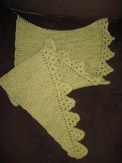 Knit Along: Pimpelliese Shawlette from Grinny Possum - Day 4 3
