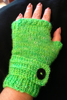 Fable Mitts with yarn from Homestead Wool and Gift Farm - Done! 6
