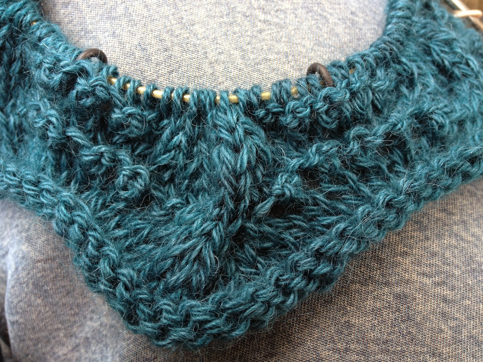 Cabled Feather Cowl from The Studio - Day 2 6