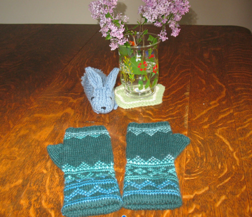 March Readers Who Knit - Nancy Davis 10