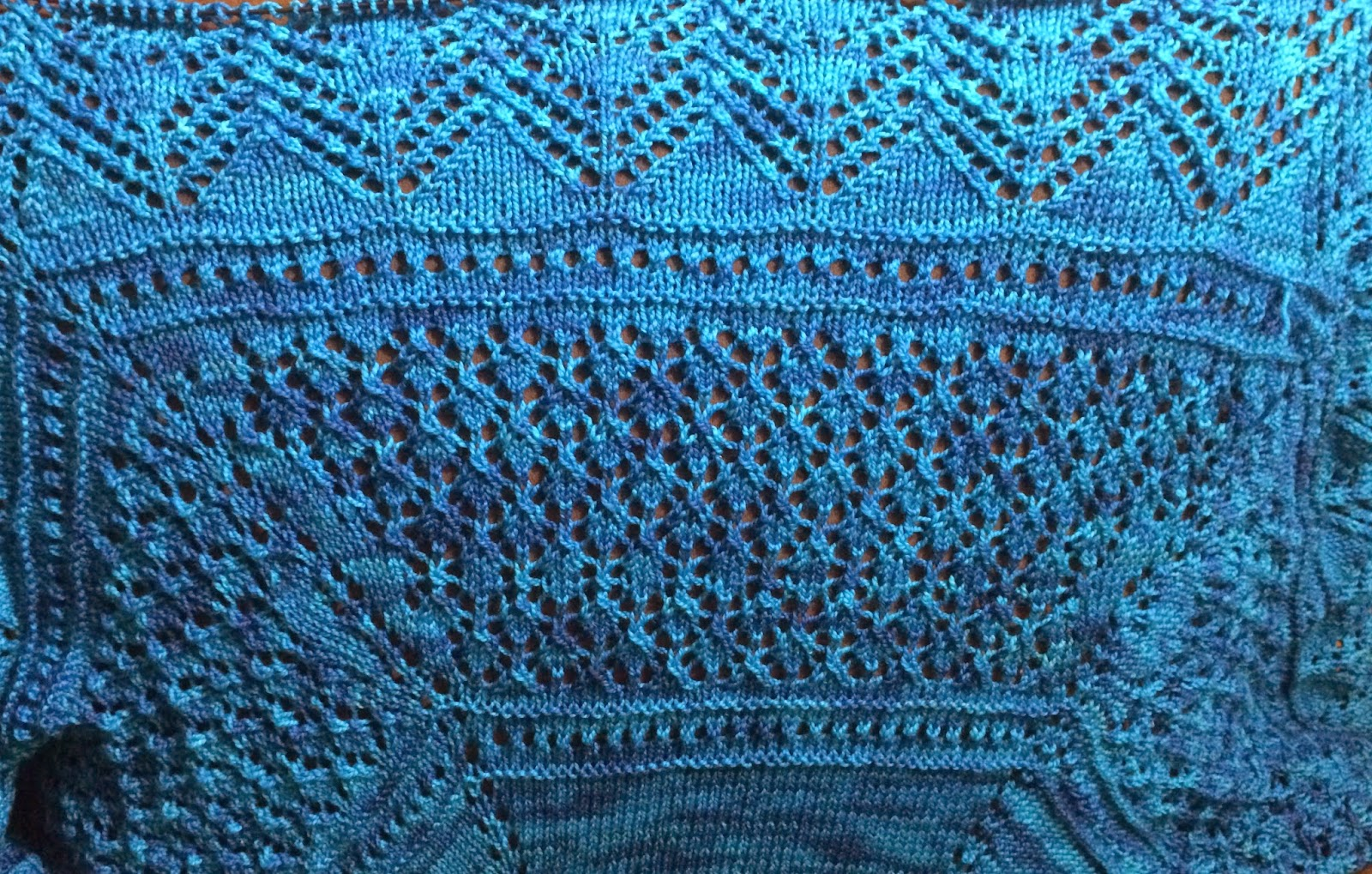Uliuli Wai Shawl from Needlecraft Cottage - Day 5 9