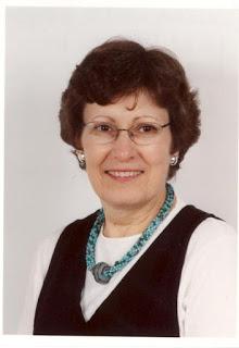 June Readers Who Knit: Susan Lutz Kenyon 7
