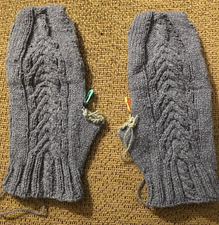 Fili Top Down Convertible Mitts from Unraveled Sheep -- Day 6 5